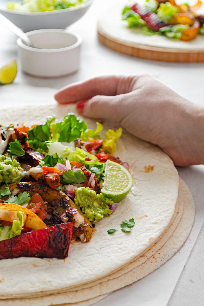 Spicy vegan mexican inspired jackfruit fajitas